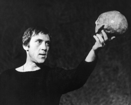 Леонид Филатов: «Народ Высоцкого любил, и язвил его, и истязал чудовищно...»